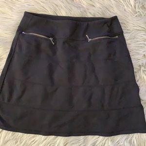 Athleta black skirt with front zipper pockets S